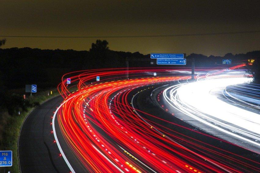 Cena goriva na avtocesti praviloma višja kot drugod