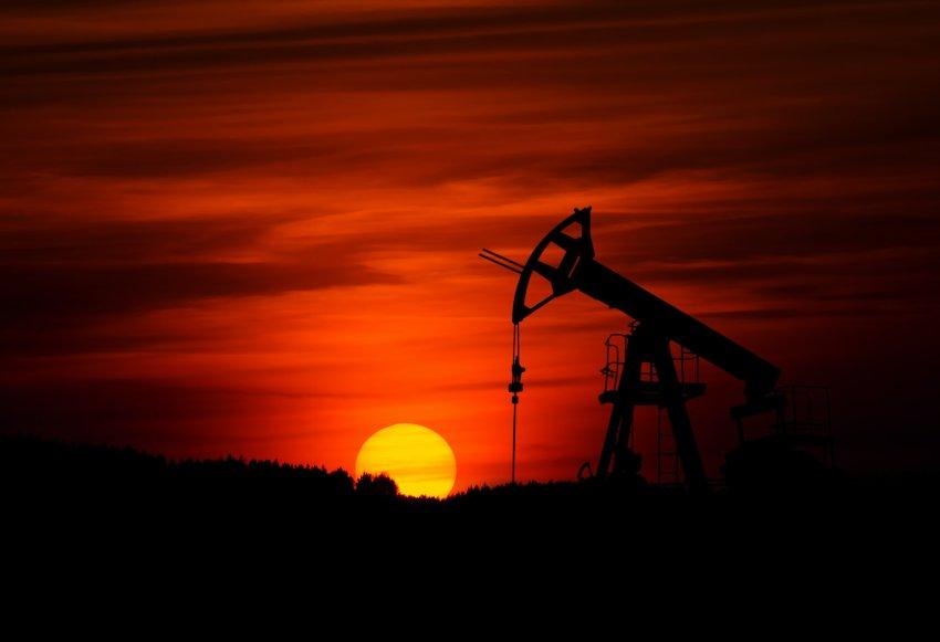 Cena surove nafte na svetovnem trgu: kaj vse vpliva nanjo?