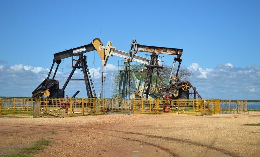 Derivati nafte poganjajo sodobni svet
